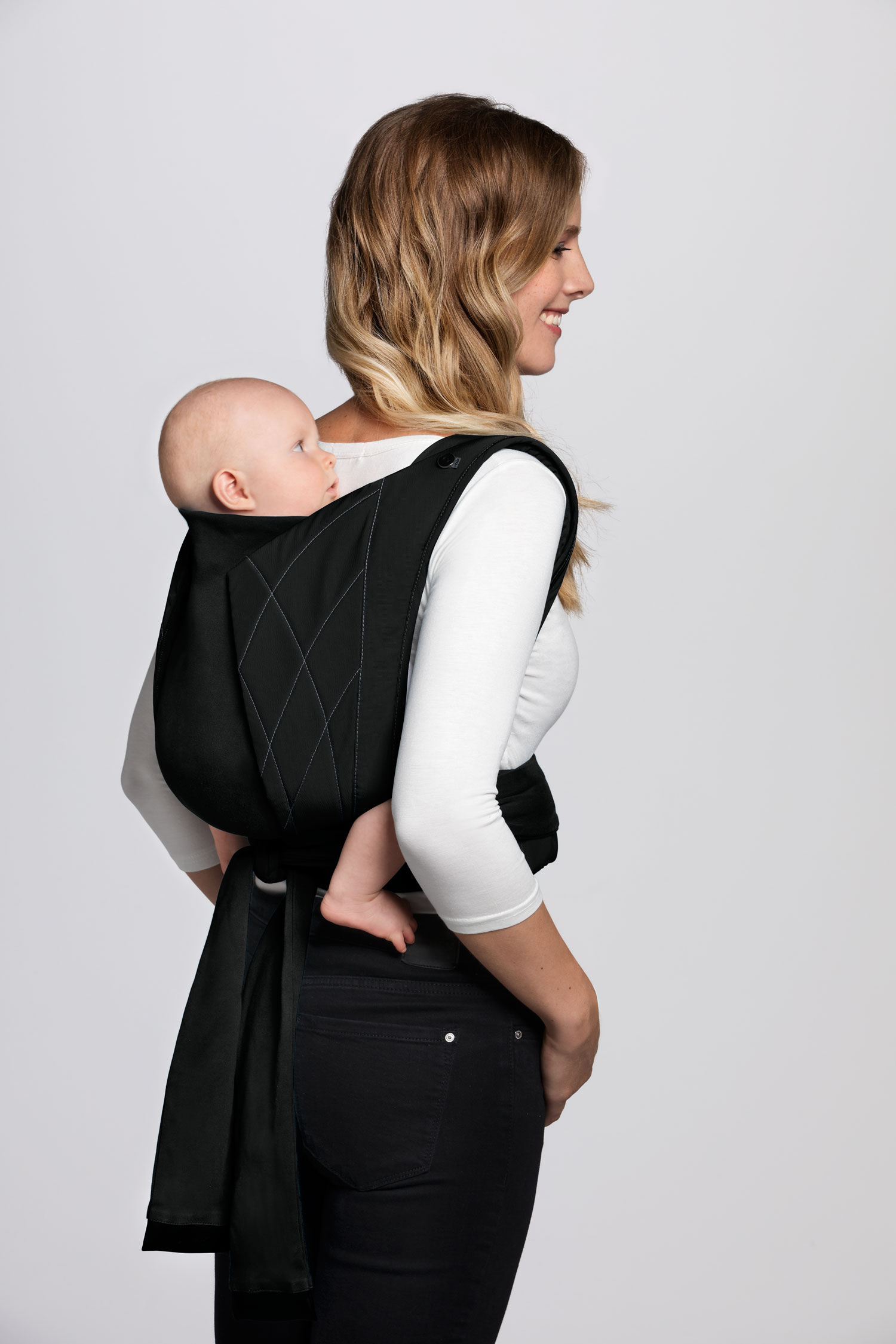 Cybex_YemaTie_Back_Carrying_POsition_DPBL_y045_screen_ultra_HD